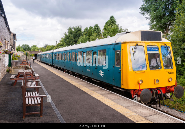 diesel train stock photos amp diesel train stock images alamy