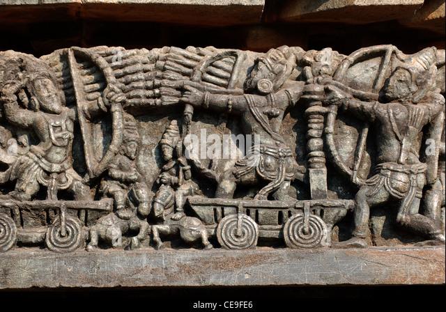 mahabharatha war  represented in stone carviing at chennakeshava temple,belur,karnataka,india.this is from hindu - Stock Image