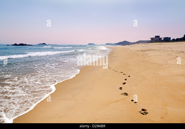 Beach resort area south of Wonsan, East Sea of Korea, Democratic People's Republic of Korea (DPRK), North Korea, - Stock-Bilder