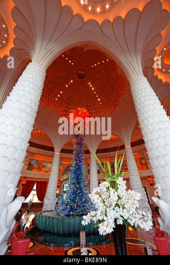 Lobby of Fivestar luxery Hotel Atlantis on The Palm Jumeirah - Stock Image