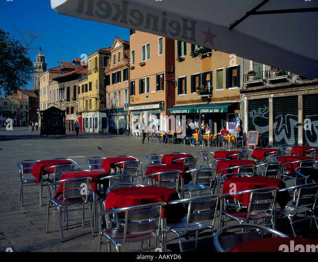 Restaurant at Campo Margharita Venice Italy Europe. Photo by Willy Matheisl - Stock Image