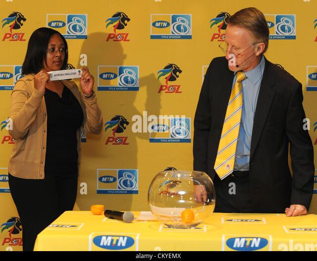 JOHANNESBURG, SOUTH AFRICA - SEPTEMBER 03, Desiree Pooe of MTN and Derek Blanckensee of the PSL during the MTN 8 - Stock Image