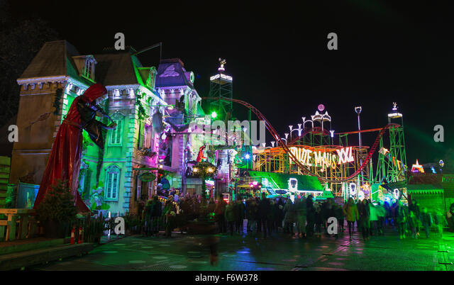 London, UK. 19 November 2015. Haunted Mansion with Wilde Maus roller coaster. Hyde Park Winter Wonderland opens - Stock Image