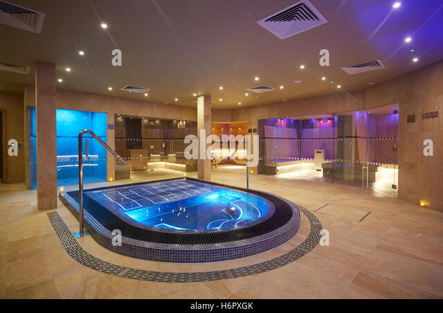 Cultural sauna stock photos cultural sauna stock images - Jacuzzi para interior ...