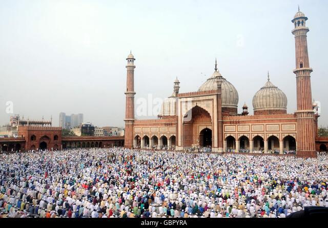 New Delhi, India. 7th July, 2016. Muslims pray at the historical Jama Masjid at the old town of New Delhi, India, - Stock Image