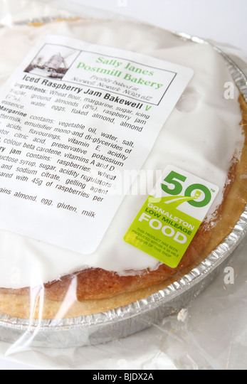 A low mileage food label on a locally produced Bakewell Tart. - Stock Image