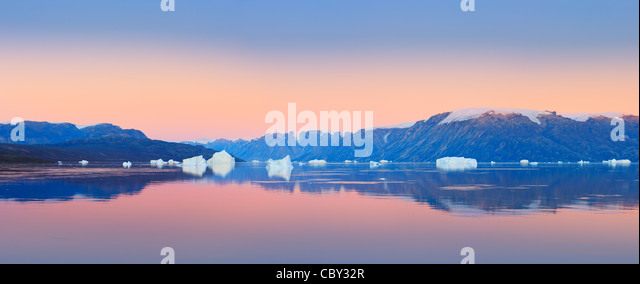 Sunrise in the Røde Fjord, Scoresbysund, Greenland - Stock-Bilder