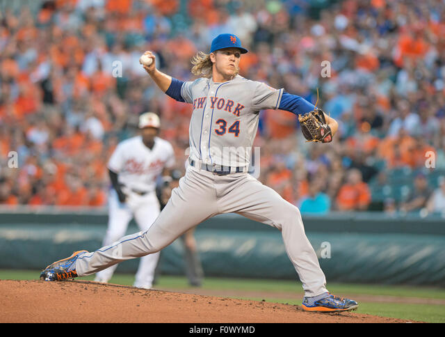New York Mets starting pitcher Noah Syndergaard (34) works in the first inning against the Baltimore Orioles at - Stock-Bilder