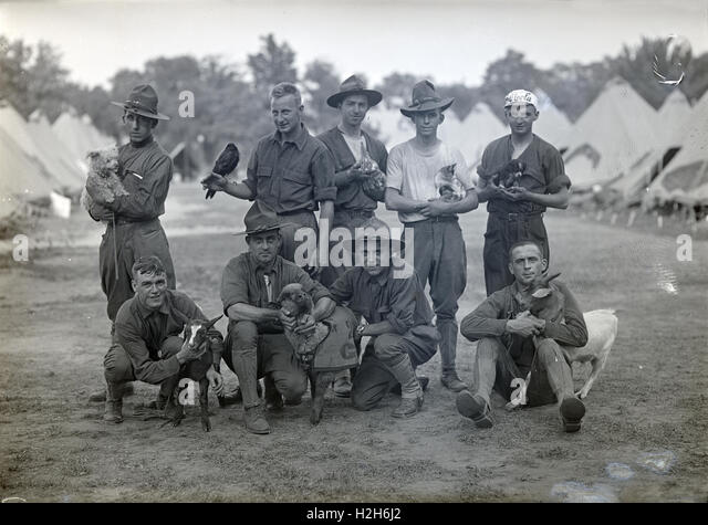 Antique circa 1917 photograph, soldiers of the Army National Guard, possibly the 2nd Infantry Regiment, with their - Stock Image
