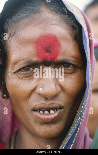 mark hindu single men What is the symbolic meaing of the red dot bindi is an auspicious ornamental mark worn by hindu girls and s forehead i dont recall its.
