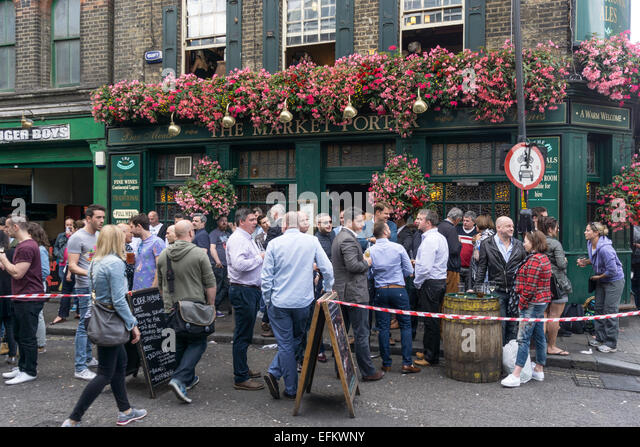 The Market Porter Pub near Boroughs Market, Southwark, London - Stock Image