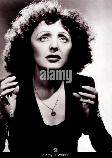 EDITH PIAF, c. mid 1940s. Courtesy: CSU Archives / Everett Collection - Stock-Bilder