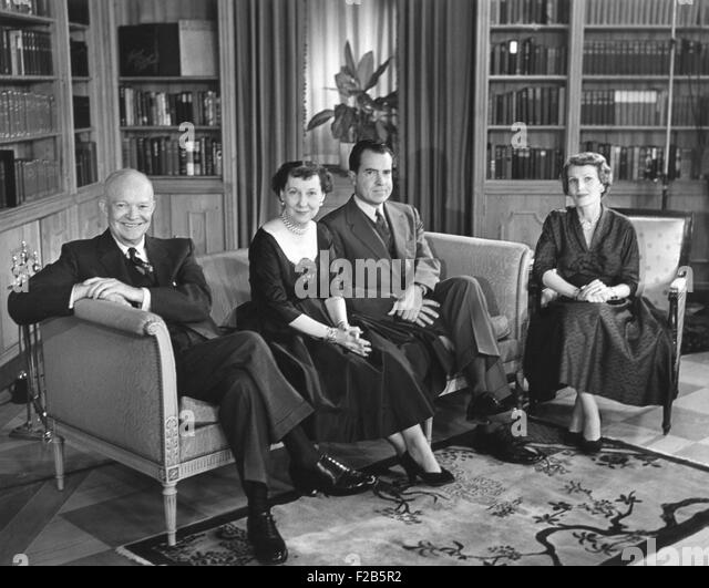 President and Mamie Eisenhower with Pat and Richard Nixon on election eve. Nov. 5, 1956. - (BSLOC_2014_16_9) - Stock Image