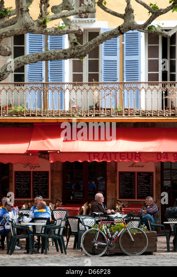 Terrace Village: Village Square France Stock Photos & Village Square France