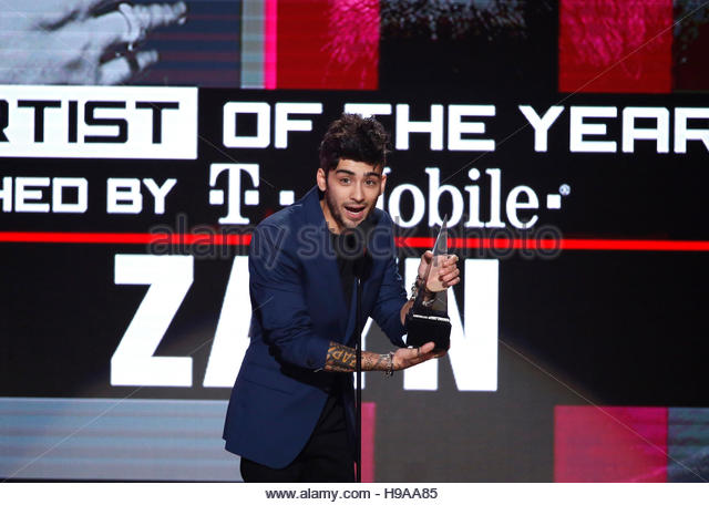 Zayn accepts the award for new artist of the year at the 2016 American Music Awards in Los Angeles, California, - Stock-Bilder