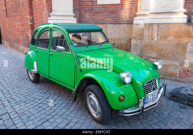 citroen 2cv stock photos  u0026 citroen 2cv stock images