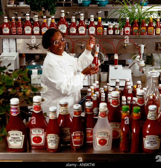 Heinz Foods Ketchup Quality Control Lab, Pittsburgh, Allegheny County, Pennsylvania, Usa., - Stock Image