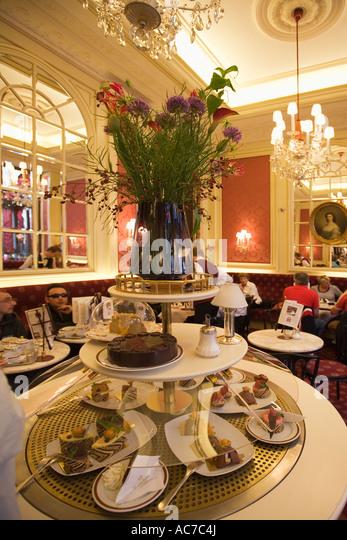 Vienna Austria Cafe Sacher interieur - Stock Image