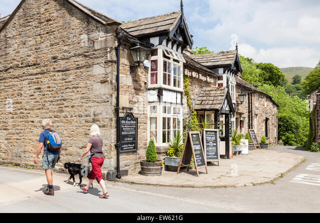 The Old Nag's Head at the start of the Pennine Way, Edale, Derbyshire, England, UK - Stock Image