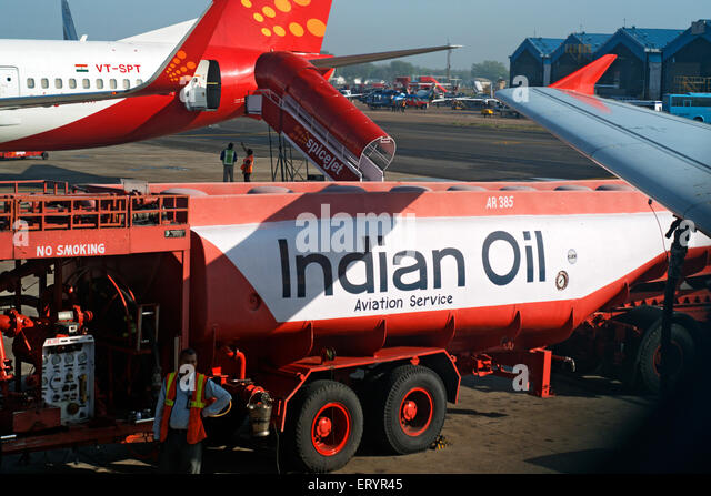 Indian oil aviation fuel tanker refuelling aeroplane at airport ; Delhi ; India 6 April 2008 21 July 2009 - Stock Image
