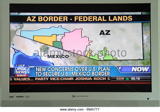 Fox News Arizona border illegal immigrants immigration Mexico border TV television screen flat panel - Stock Image