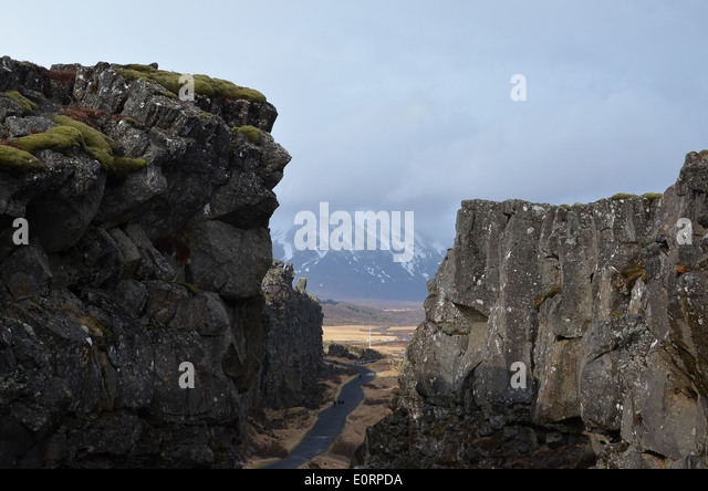 The Almannagjá rift between the American and Eurasian tectonic plates at Þingvellir, Iceland. - Stock Image