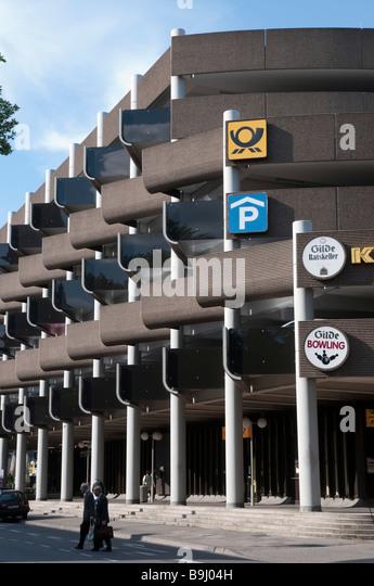 modernes Parkhaus in der Osterstra e Hannover Niedersachsen Deutschland Hannover modern multi storey car park Germany - Stock-Bilder