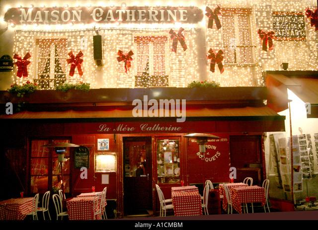 France paris montmartre restaurant chair stock photos for Le miroir restaurant montmartre