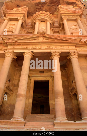 The Treasury Building or Al Khazneh at Petra, Jordan - Stock Image