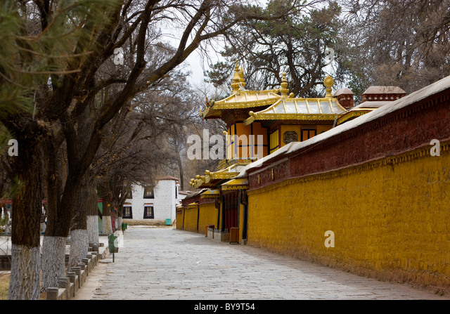 Wall of Norbulingka or Jewel Park, Tagten Migyur Podrang, the Dalai Lama's Summer Palace, Lhasa, Tibet, China. - Stock Image