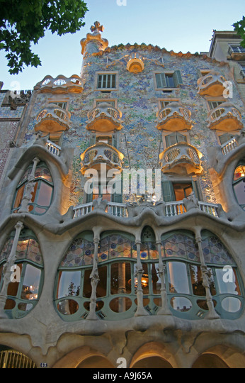 Barcelona Passeig de Gracia Casa Batllo by Anton Gaudi Fassade at night  - Stock Image