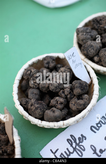 Truffle market in Carpentras - Stock Image