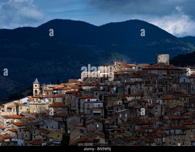 The little, and typical, italian village of Sonnino, southern lazio. - Stock Image