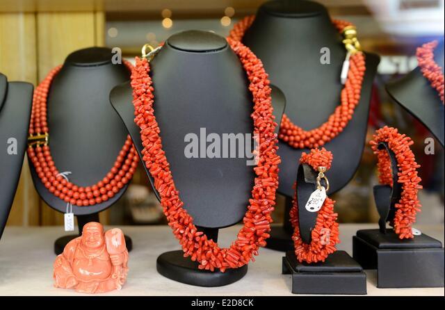 Jewelry shop france stock photos jewelry shop france for Carrelage du sud boulevard saint germain