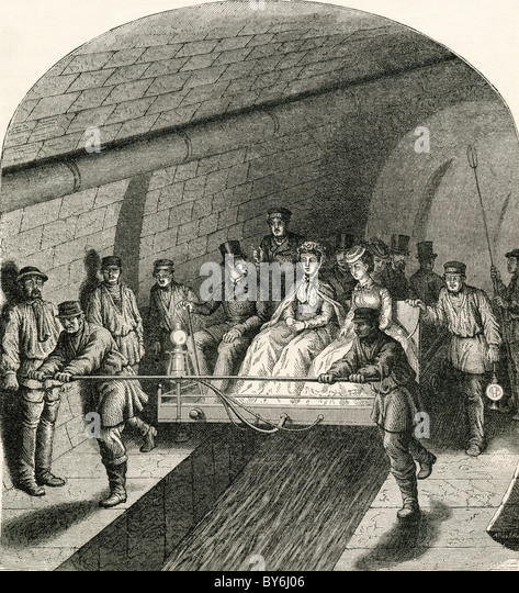 Excursion in the Paris sewers in the 19th century. - Stock-Bilder