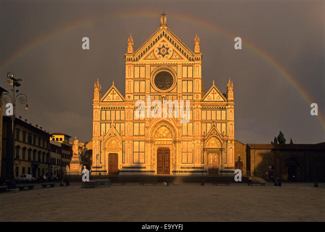 the culture of italy architecture people and history Italy in the 14th century was fertile ground for a cultural revolution the black  death had wiped out millions of people in europe – by some estimates   resulting in an explosion of literature and ideas unprecedented in history.