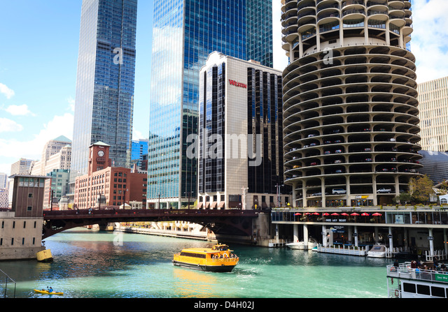 Chicago River and towers, Chicago, Illinois, USA - Stock Image