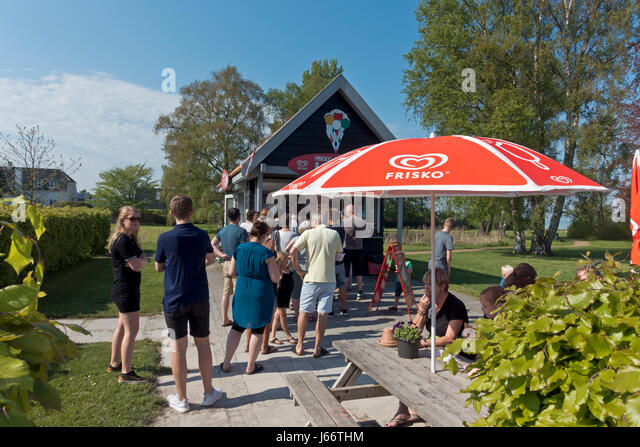 The popular Mikkelborg Icrecream stall on the coast north of Copenhagen in popular North Sealand in early summer. - Stock Image