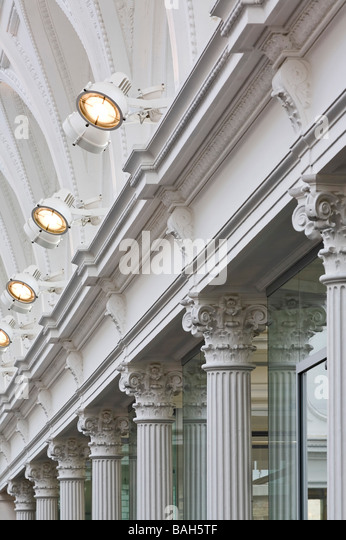 Central Court, London, United Kingdom, Sir John Taylor, Central court column and lighting detail. - Stock Image
