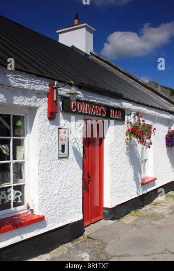Conway'sBar, traditional Irish pub in Ramelton, County Donegal, Ireland - Stock Image