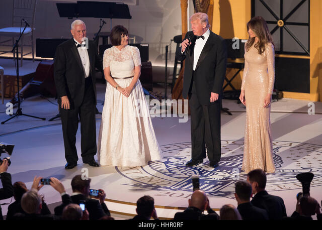 Washington, DC, USA. 19th Jan, 2017. Vice President -elect of The United States Mike Pence, his wife Karen Pence - Stock-Bilder
