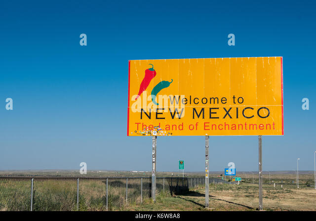 Welcome to New Mexico sign just over the border - Stock Image