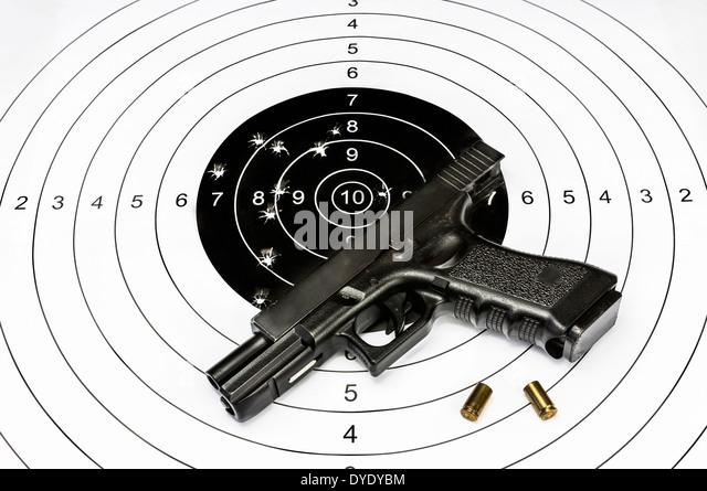 Gun Target Stock Photos Amp Gun Target Stock Images Alamy
