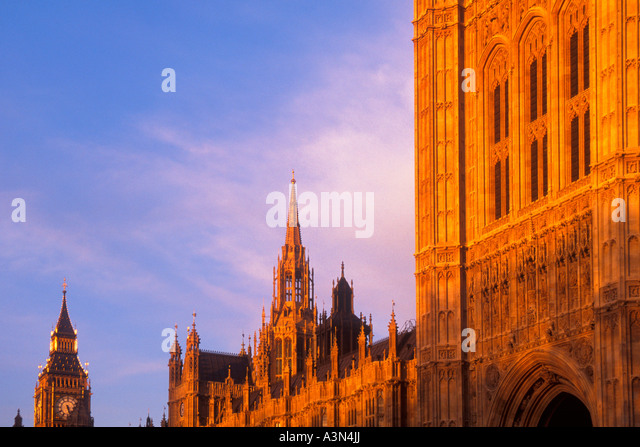 England United Kingdom UK The Houses of Parliament and Big Ben at Dusk Sandra Baker - Stock Image