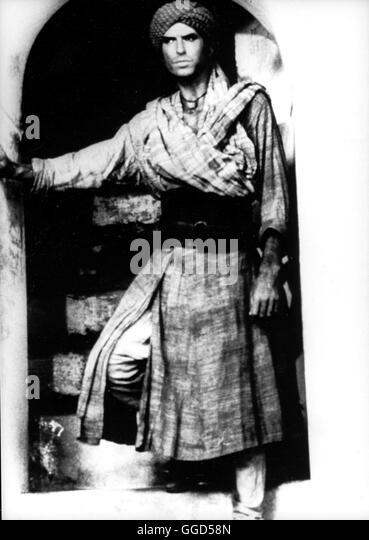 ACK42620.jpg DAS GEHEIMNIS DER RITUALMORDE / THE DECEIVERS GB/ Indien 1988 / Nicholas Meyer PIERCE BROSNAN als Offizier - Stock-Bilder