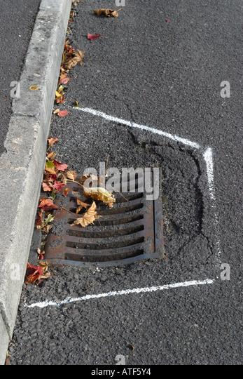 Manhole Cover England Stock Photos Amp Manhole Cover England