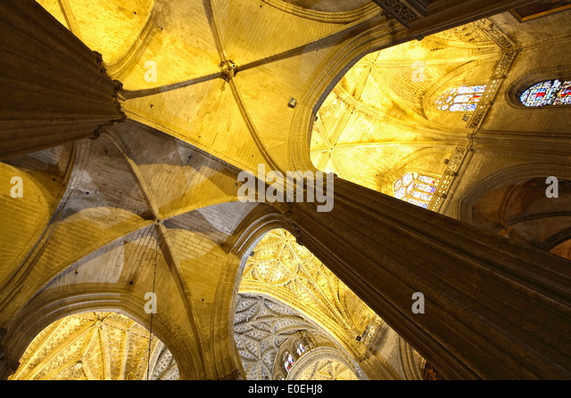 Ceiling detail and columns, Seville Cathedral, Seville, Spain - Stock Image
