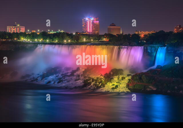 Light show at the American Falls, part of the Niagara Falls, Ontario, Canada. - Stock-Bilder