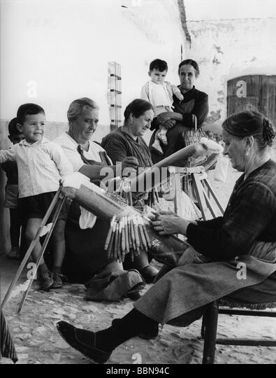 geography / travel, Spain, people, women weaving, 1960s, Europe, historic, historical, 20th century, 60s, Torralba - Stock Image