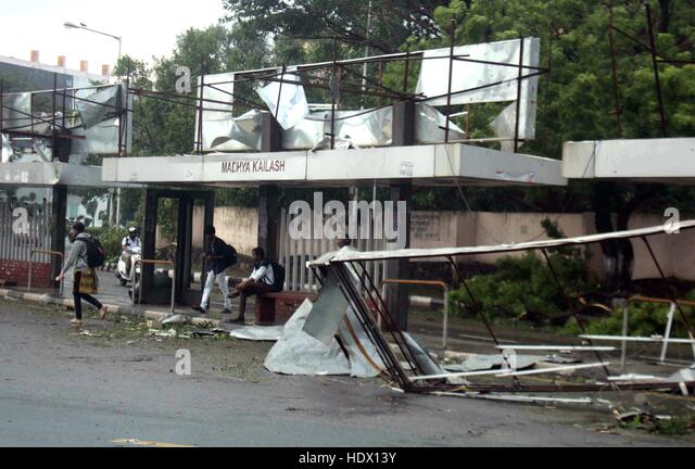 Bus stand damaged due to Cyclone Vardah, in Chennai, India on December 13, 2016 - Stock-Bilder